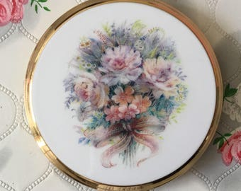 Stratton convertible compact mirror, vintage compact, Stratton compact, bouquet of flowers, 1990s Stratton floral convertible compact,