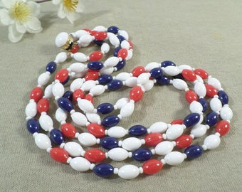 Beautiful Vintage Gold Tone Double Strand Patriotic Lucite Beaded Necklace  DL# 3418
