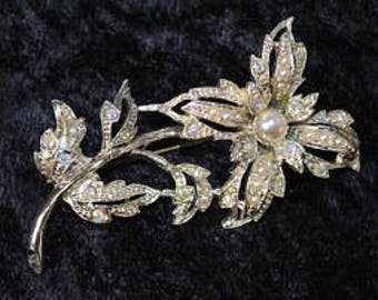 1950s Diamante and Faux PearlFlower Brooch