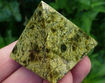 Green Russian Serpentine Pyramid Natural Polished Stone Crystal, Mineral