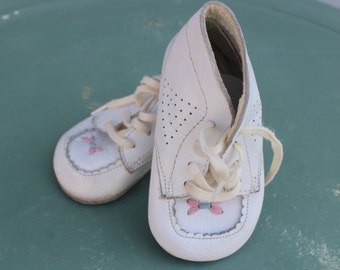 Baby Shoes Vintage White  Baby Shoes Leather with original plastic box