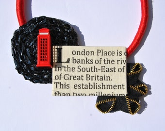 Red satin statement necklace with medaillon London theme