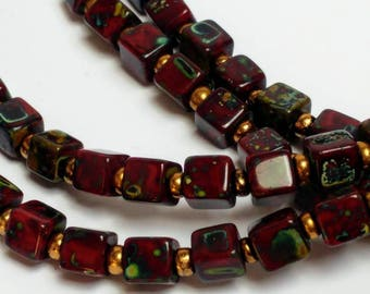 Red marbled beads vintage necklace