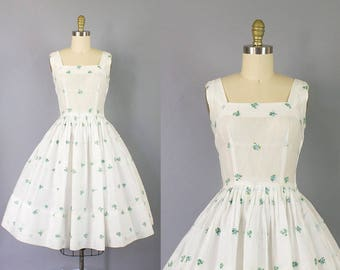 1950s floral sundress/ 50s Jerry Gilden cotton dress w/ embroidered blue flowers/ small