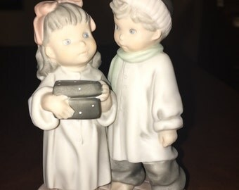 Enesco, by Kim Anderson, Pretty As A Picture - 284475 - Love is the Greatest Gift of All - 1997