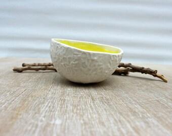 Yellow ceramic ring dish, yellow jewelry dish, yellow ceramic, ring bowl, gift for mom, yellow and white porcelain, yellow porcelain,