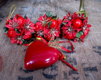 Pom Poms, Christmas Heart, Heart Decoration, Red Decorations, Vintage Decorations, Vintage Christmas, Vintage Pom Pom, Christmas Baubles