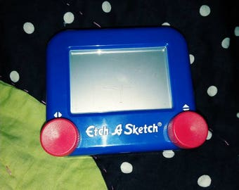 Miniature Etch A Sketch 90s blue