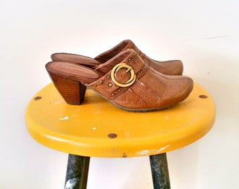 Brown Leather Clogs Bare Traps Size 7