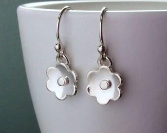 Sterling silver flower earrings, handmade, small delicate earrings, perfect for everyday wear, lovely birthday gift for her
