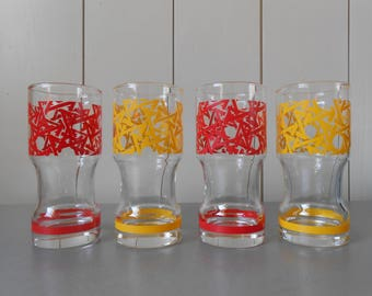 Set of four Vintage 1970s highball drinking glasses in Red Yellow. 70s Mod Retro Psychedelic Groovy Funky Abstract print. Glassware Barware