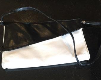 Women's vintage 1980's handbag.