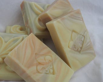 Hairsoap bergamotte grapefruit lemon - solid shampoo