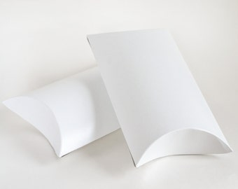 "Pillow Boxes, 25 White Gift Boxes, Party Favor Boxes, Favour Boxes, Large Pillow Boxes, White Pillow Boxes, Wedding Favor Boxes 7x5.5x2"""
