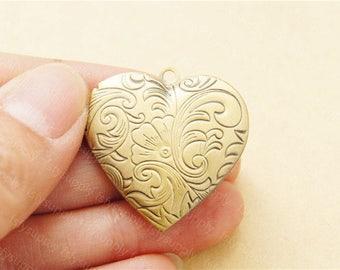 Dainty Heart Locket Charms,26mm Floral Brass Locket,Perfume Locket