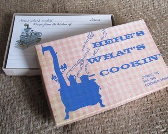 """Vintage 54 Unused Current Inc. Here's What's Cookin' 3"""" x 5"""" Recipe Cards in Original Box - Cast Iron Stove"""