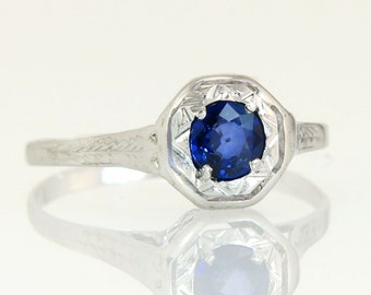 Antique .40ct Genuine Blue Sapphire 14K White Gold Hearts Art Deco Ring 2.1g