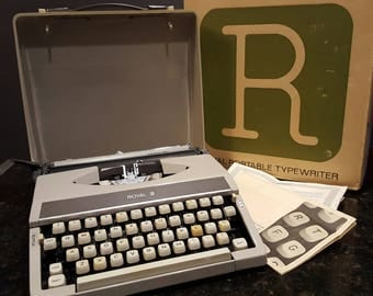 Working Royal Mercury Typewriter with case Royal portable compact manual typewriter