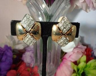 Vintage LES BERNARD Goldtone & Rhinestone Clip On Earrings. Absolutely Gorgeous.