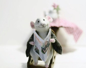 White mouse Cute mouse Felt mouse Felted sculpture Wool mouse Gift for her Natural materials Mouse doll Doll wool Wool needle Felted mice