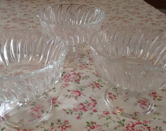 3 cups bowls glass  decorate  Italian vintage
