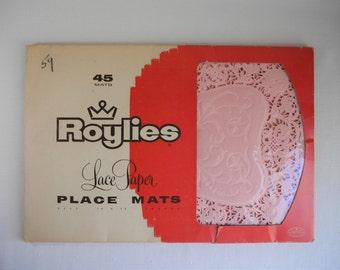 Vintage Pink Paper Place Mats, Roylies Lace Paper Place Mats, 1950s Party Decor, Baby Shower, Bridal Shower