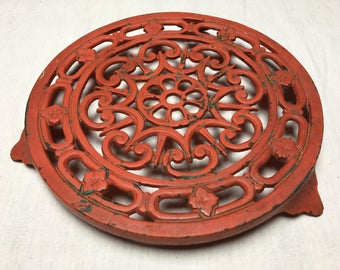Vintage French Cast Iron Trivet – Coaster – Red Cast Iron Trivet – Retro Coaster - Decotec