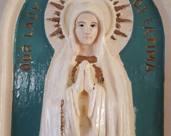 Our Lady of Fatima Antique Wall Plaque.....Plaster.....good condition...Cathedral window