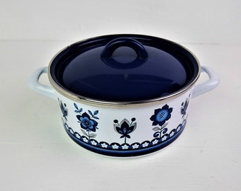 Enamelware pan, mid century, lidded pan, casserole, mod flower,enamel, blue and white, Spanish - 18.5 cm