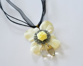 Fairy White and Yellow Flower Necklace