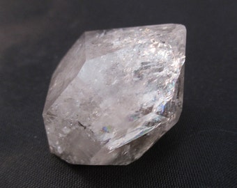 Herkimer Diamond - New York - Beta Quartz, Attunement Stone, Clarvoyance, Claraudience, Dream Stone, Release Body Tension - Crystal Cave