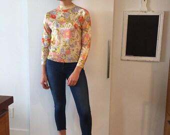 Fun flower 60s knit shirt