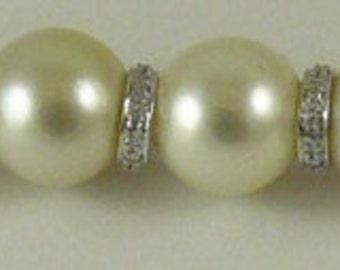 South Sea White10.0mm x 10.9mm Pearl Bracelet 14k White Gold & Diamond Rondels