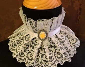 White lace Choker, Cameo choker, Neck corset,Fantasy vampire,Steampunk choker,Edwardian collar,Victorian Fantasy jewelry,Alternative wedding