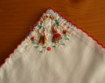 Sweet Scalloped Embroidered Handkie