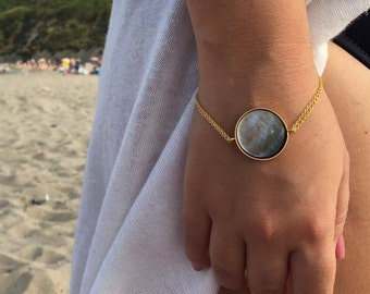 Mother of pearl bracelet for women, gold chain bracelet, gold filled minimalist bracelet, gold plated silver minimal bracelet, casual gift