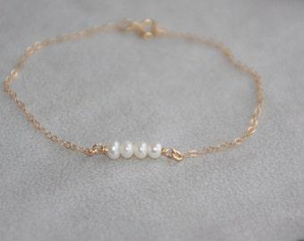 Dainty bracelet. 14K gold Filled freshwater pearl bracelet. Birthstone bracelet. Delicate bracelet. Gold bracelet. Mother's day