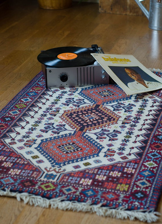 Vintage Persian wool rug. Qashqai Rug
