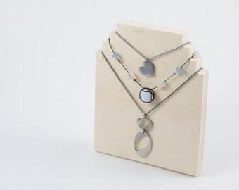 necklace,necklace holder,necklace stand,necklace hanger,necklace storage,necklace display,necklace organizer,necklace rack,necklace hangers