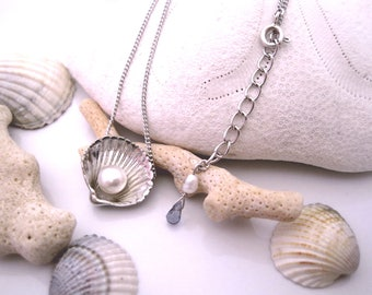"""Pearl and shell shaped silver necklace """"Conchiglia"""""""