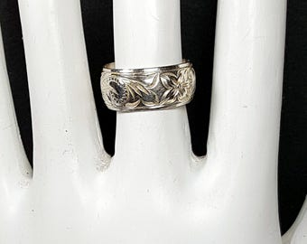 SILVER BAND Size 5 + Ladies Silver Ring Wide Band Ring with Floral Design
