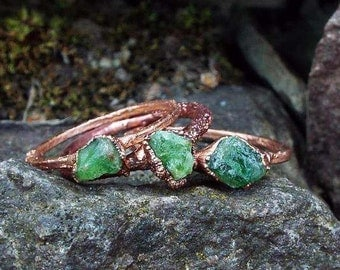 Tsavoritring, gemstone ring, raw Tsavorite ring, Crystal ring, statement ring, copper ring, raw Crystal ring, Crystal ring, boho, boho