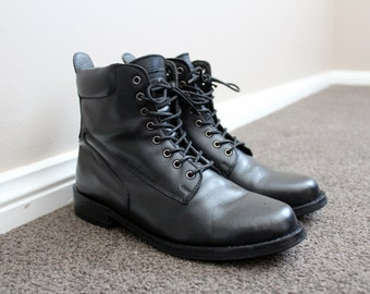 Vintage Black Leather Ankle Boots Ladies Lace Up Combat Boots Size 6
