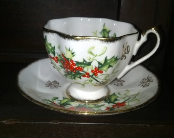 Queen Anne 'Yuletide' Teacup & Saucer Set - 1950s Bone China of England (2 sets available)