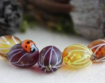 Lampwork gooseberry /Lampwork Wild Berry Beads / Glass Berries / Glass gooseberry / Forest Berries / Realstic berries/ ladybug beads