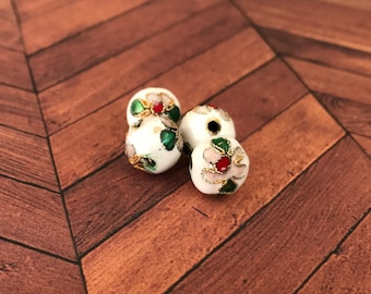 Qty4 10mm Handmade Cloisonne Beads, White With Pale Pink Flower, Floral Beads, Enamel