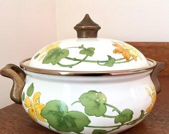 Flowered Cookpot