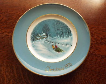 Avon Christmas Plate Series 1976 by Enoch Wedgwood