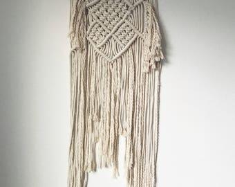 Macramé Wall Hanging / Wall Hanging / Woven Art / Handmade / Home Décor / Bohemian Décor / Medium