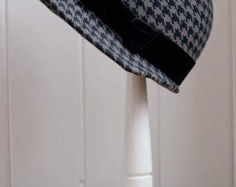 Houndstooth Wool Felt Cloche - 1920's Style